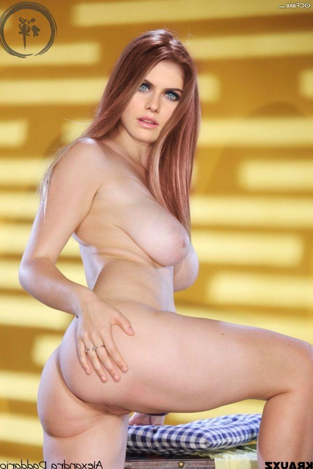 Alexandra Daddario Nude
