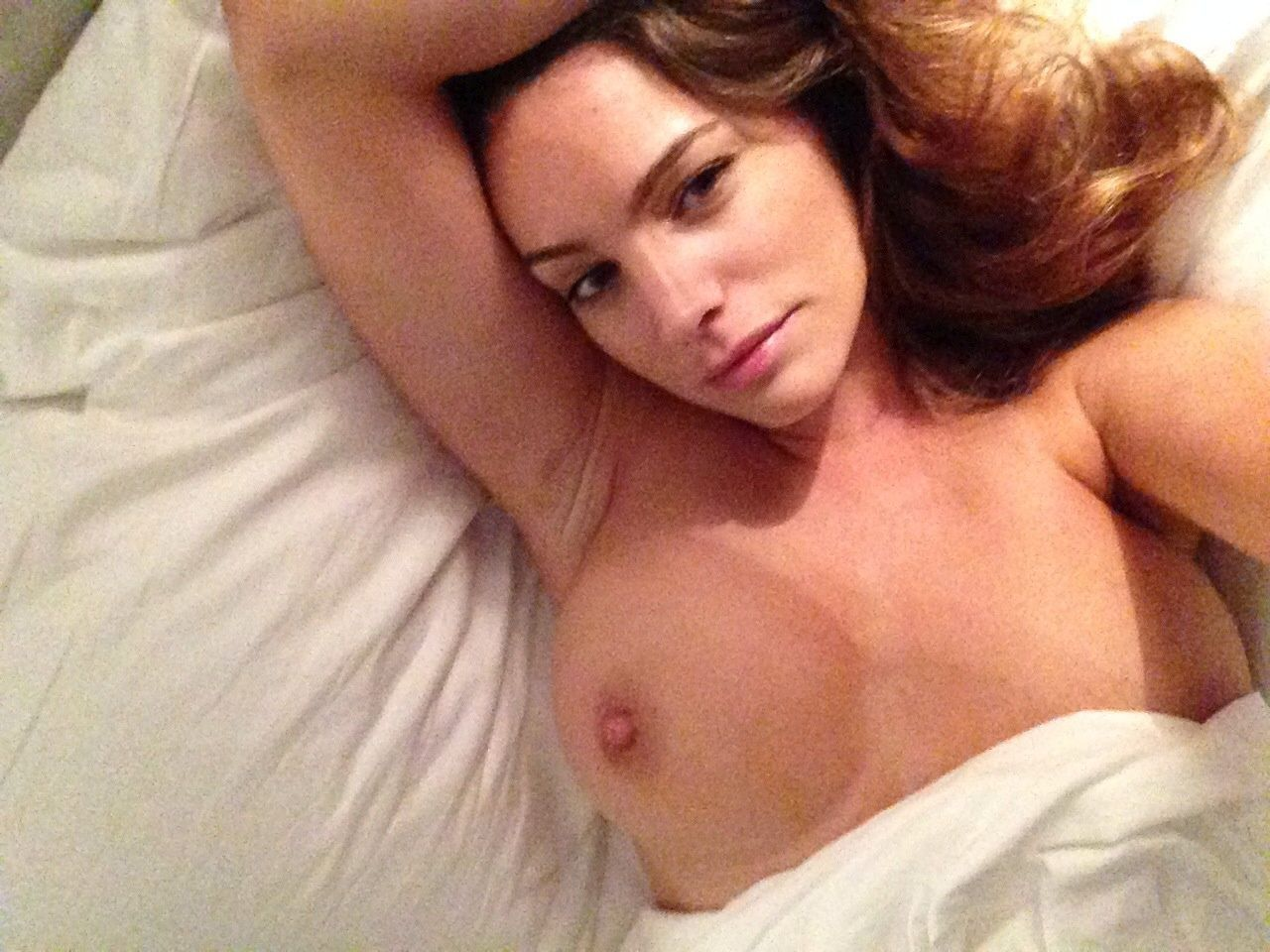 Kelly Brook Nude Leaked Photos Amazing Tits 003
