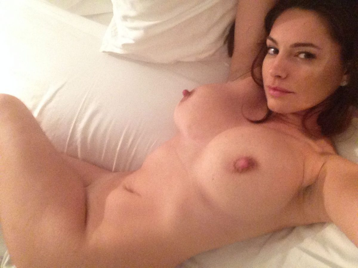 Kelly Brook Nude Leaked Photos Amazing Tits