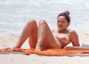 Kelly Brook Nude Leaked Photos Amazing Tits 013