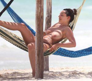 Kelly Brook Nude Leaked Photos Amazing Tits 016