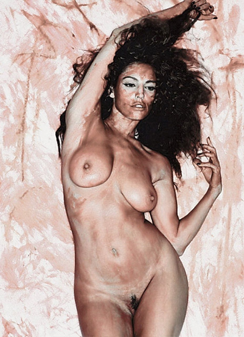 Kelly Brook Nude Leaked Photos Amazing Tits 018