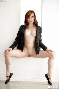 Emma Watson Nude Exotic Photos 009