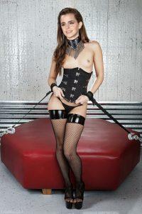 Emma Watson Nude Exotic Photos 010
