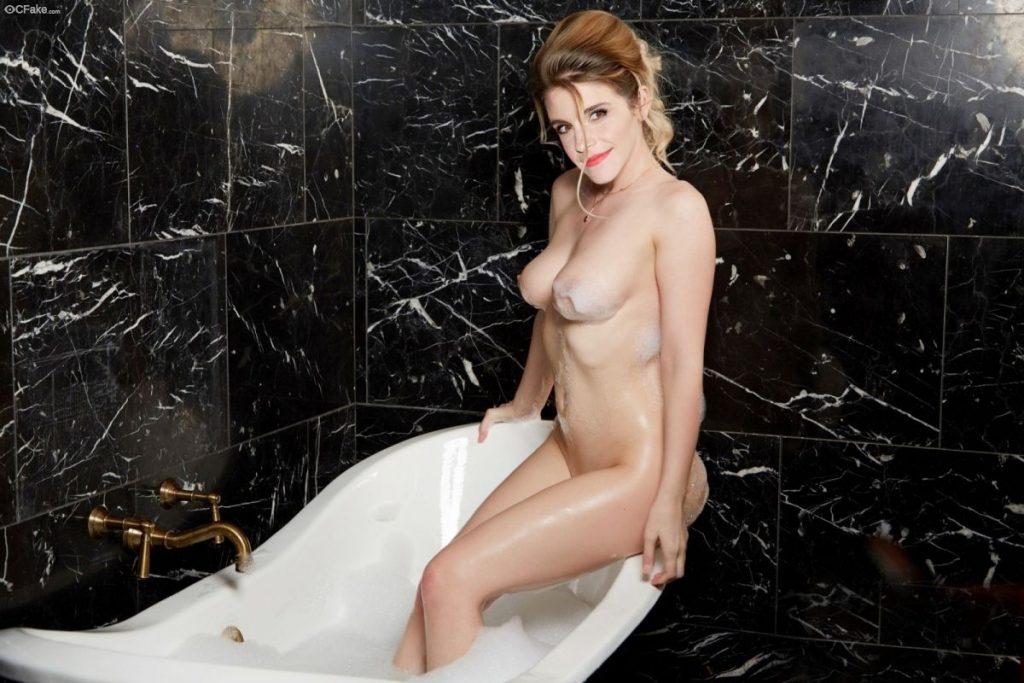 Emma Watson Nude Exotic Photos 017