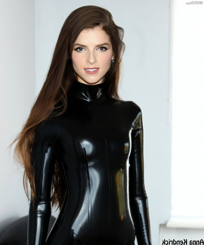 Anna Kendrick Nude Pictures