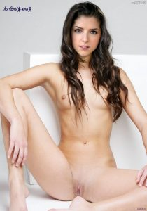 Anna Kendrick Nude Pictures 008