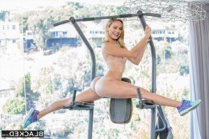 Brie Larson Nude 012
