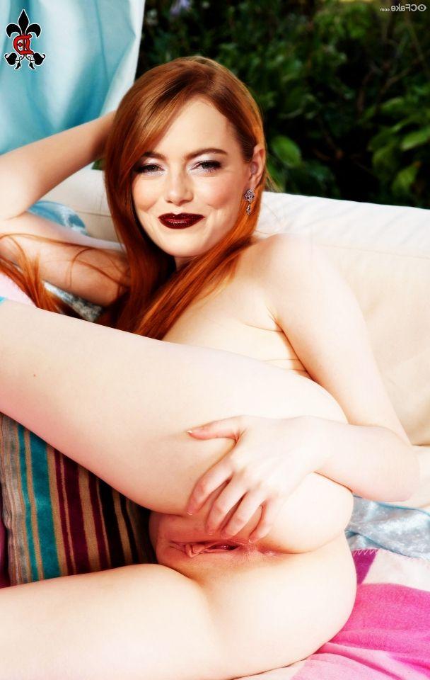 Emma Stone Nude 008