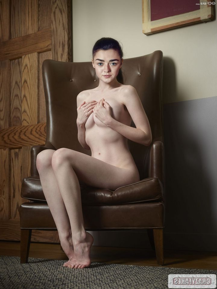 Maisie Williams Nude 005