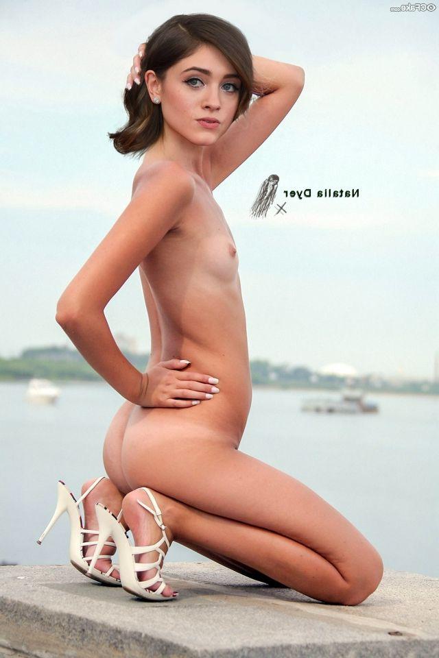 Natalia Dyer Nude 005