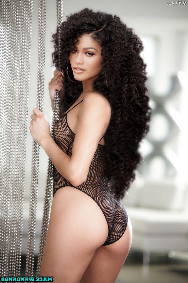 Zendaya Nude 008