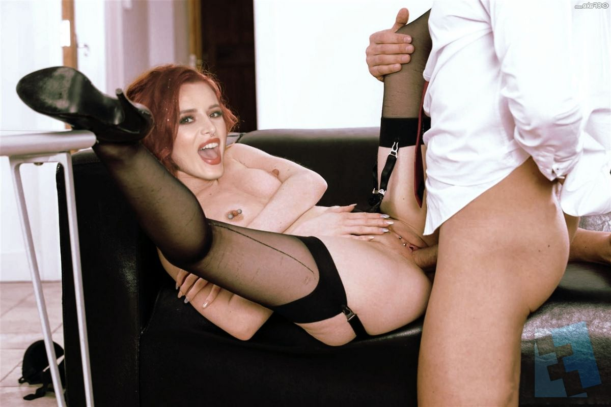Bella Thorne Fucking 002