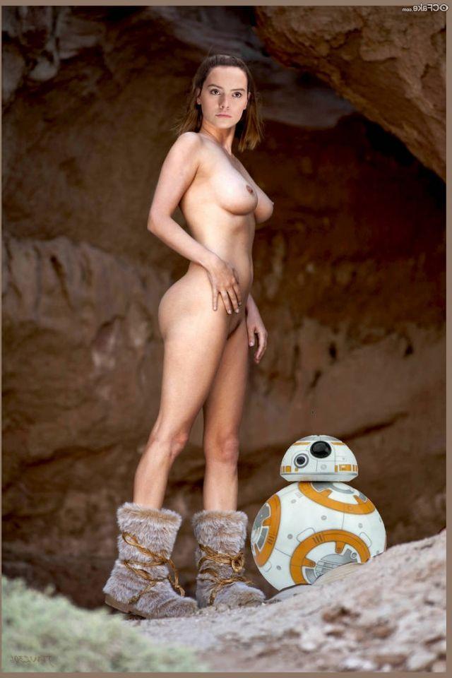 Daisy Ridley Nude 004