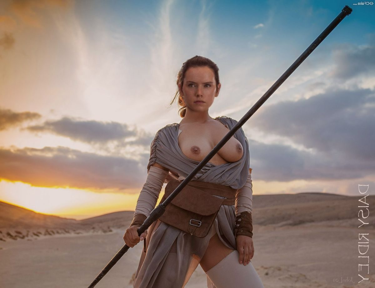 21 Nude Photos Of Daisy Ridley Which Will Make You Fap Nonstop
