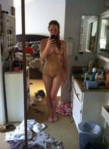Jennifer Lawrence Naked Mirror Pic 700x937