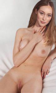 Alycia Debnam Carey Nude Photos 009