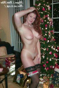 Bonnie Wright Nude 013