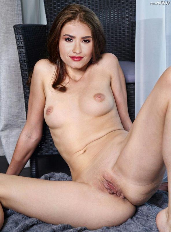 Demi Lovato Nude Pics 011