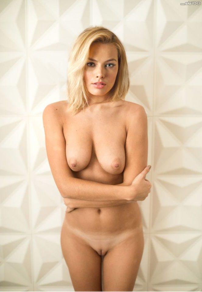 Margot Robbie Nude 004