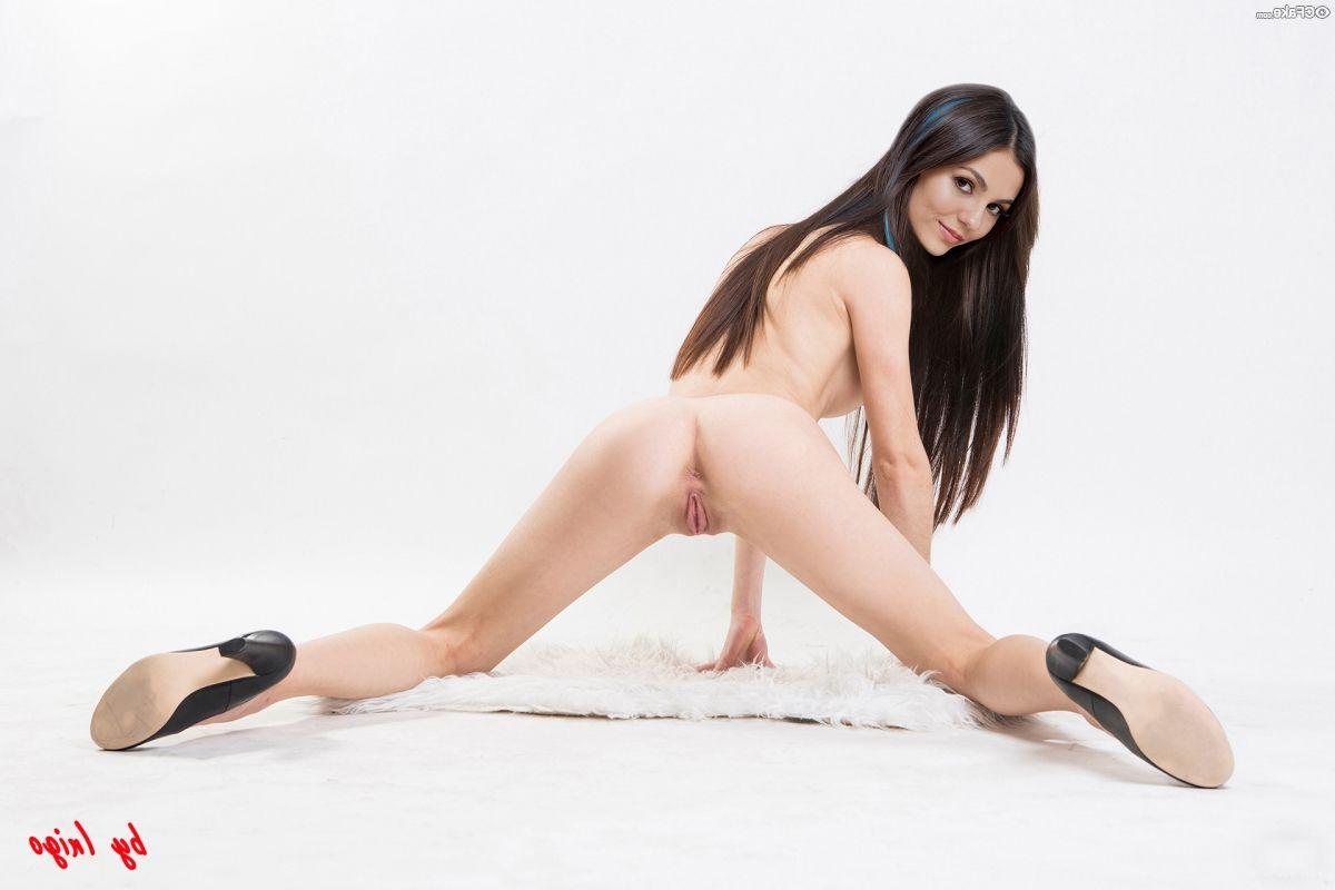 Victoria Justice Nude 020
