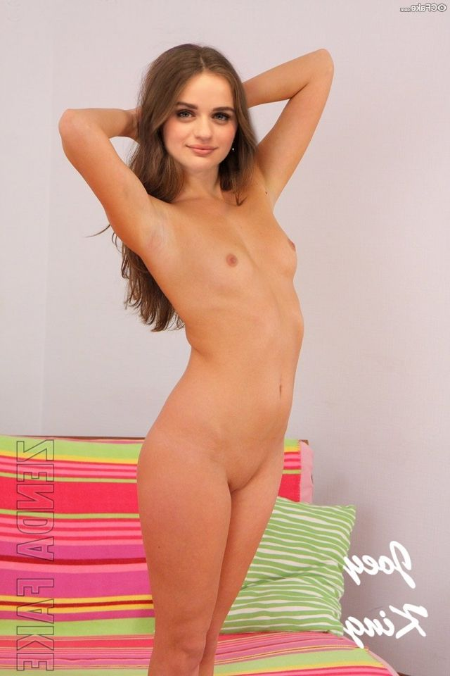 Joey King Nude Photos 013