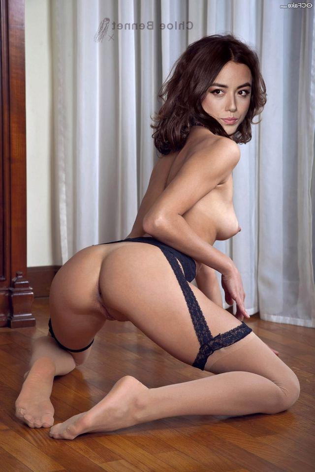 Chloe Bennet Nude Pics