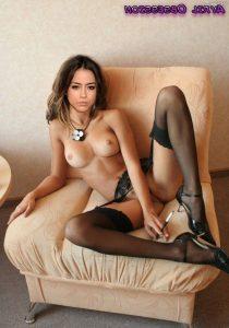 Chloe Bennet Nude Pics 012