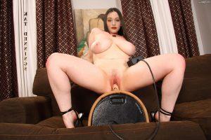 Kat Dennings Nude Pics 020