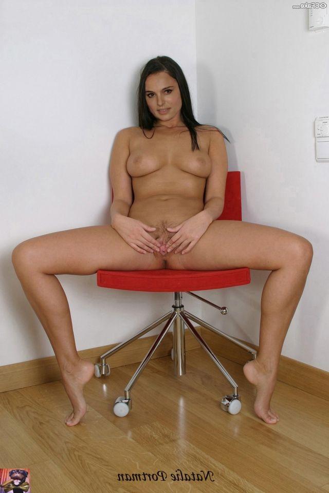 Natalie Portman Nude Pics 011
