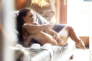 Natalie Portman Nude Pics 017