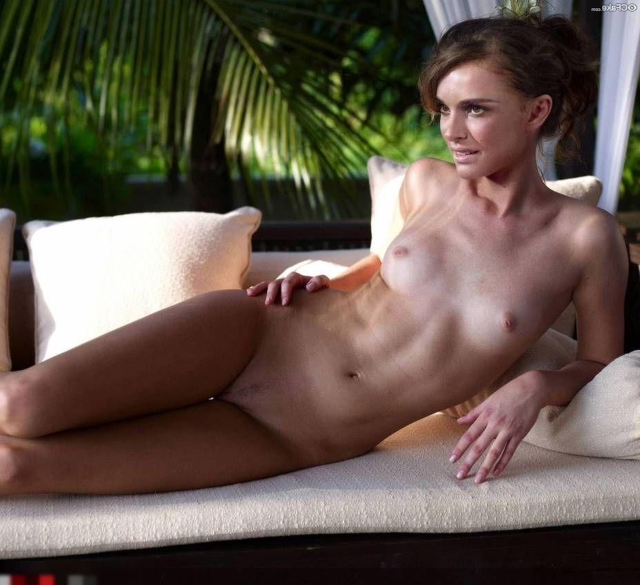 Natalie Portman Nude Pics 019