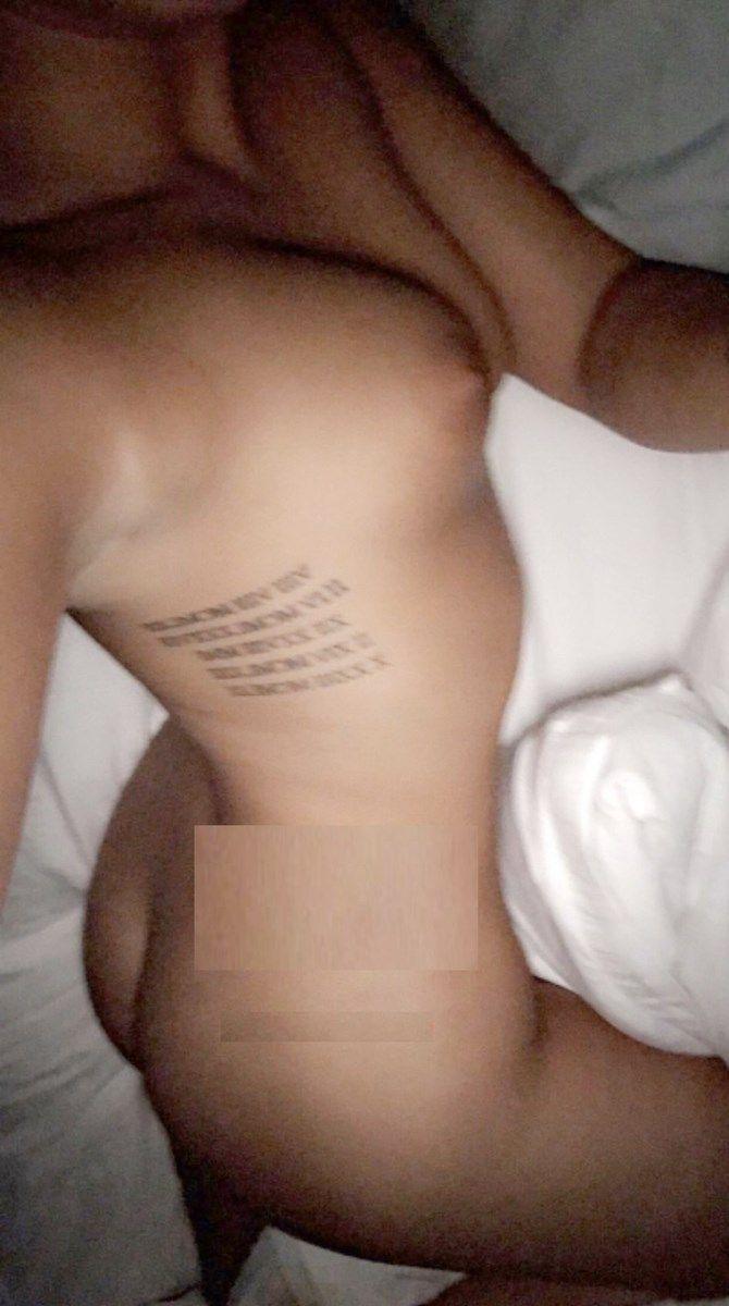 Demi Lovato Nude Selfies 012