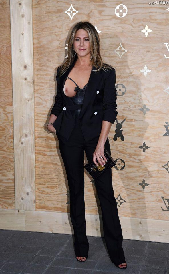 Jennifer Aniston Nude 007