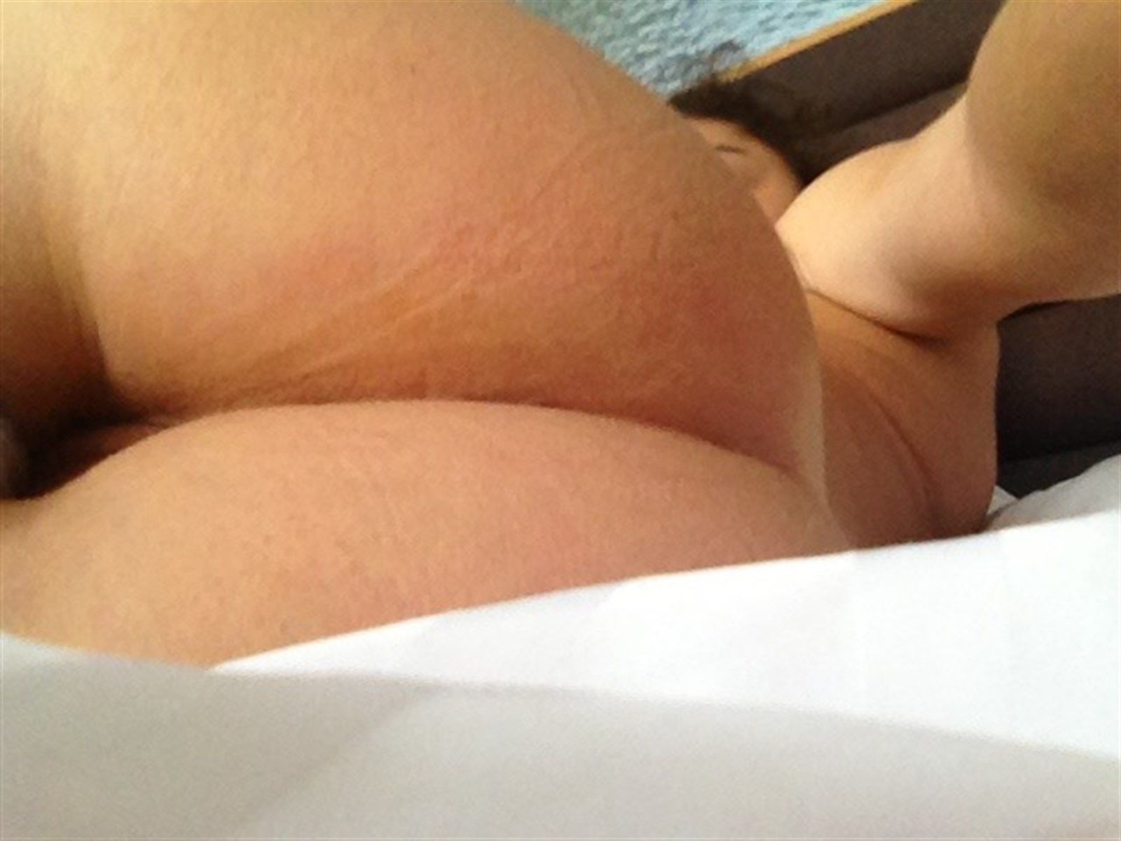 Sarah Hyland Nude Leaked Photos 020