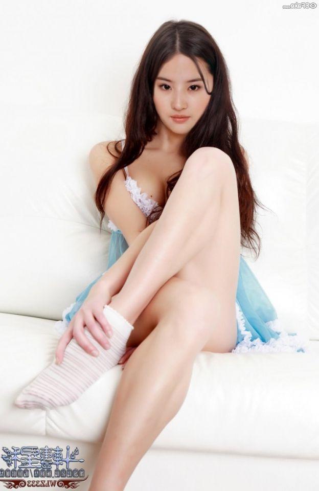Liu Yifey Nude Pics 023