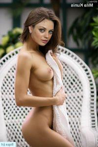 Mila Kunis Nude 006