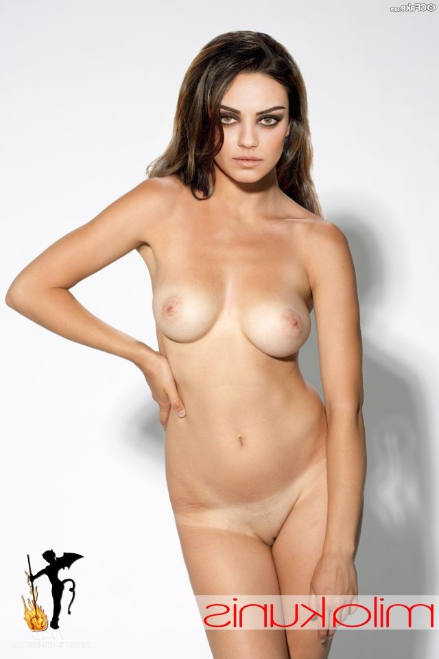 Mila Kunis Nude 010