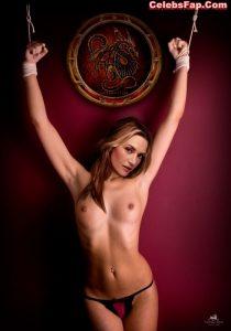 Kate Winslet Nude Photos 008