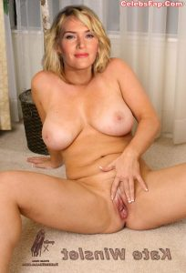 Kate Winslet Nude Photos 018