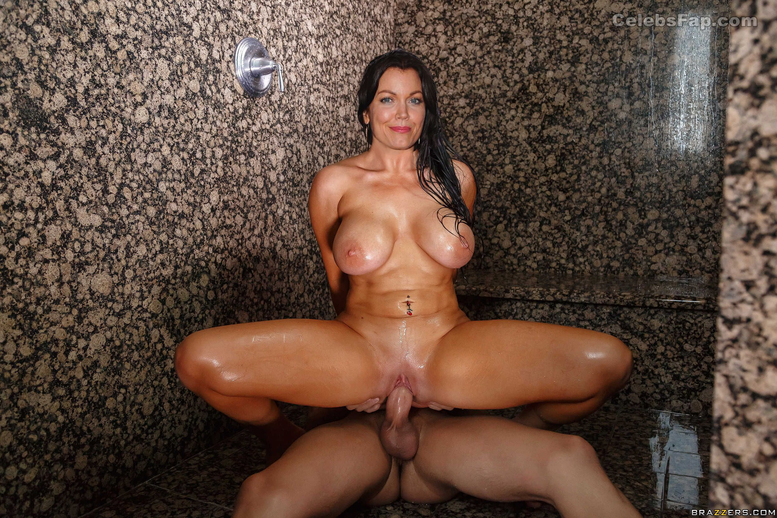 Bellamy Young Nude Photos 015