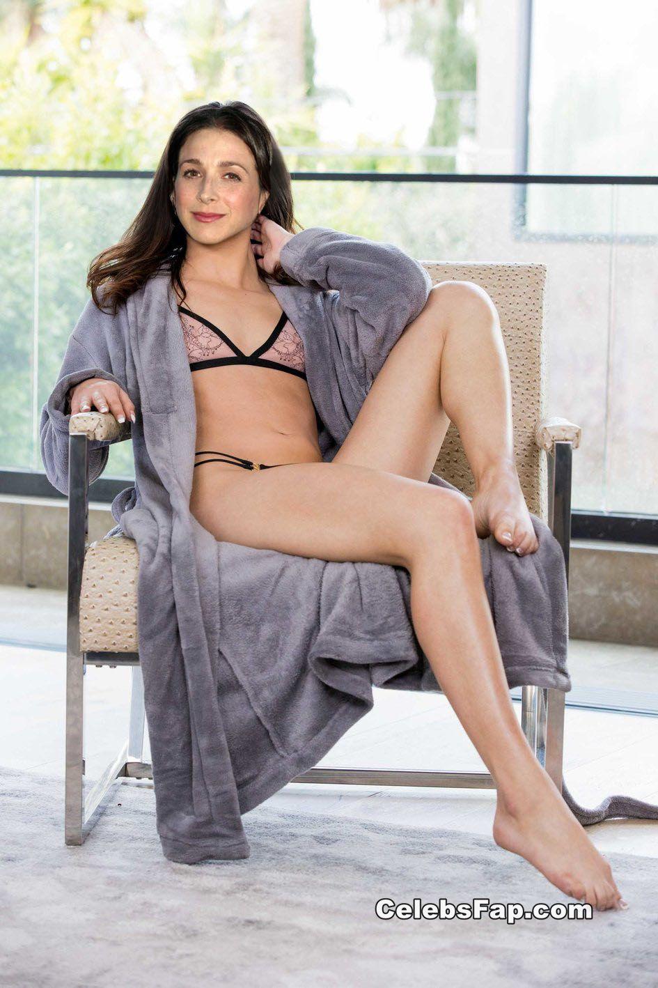 Marin Hinkle Nude And XXX Porn Photos