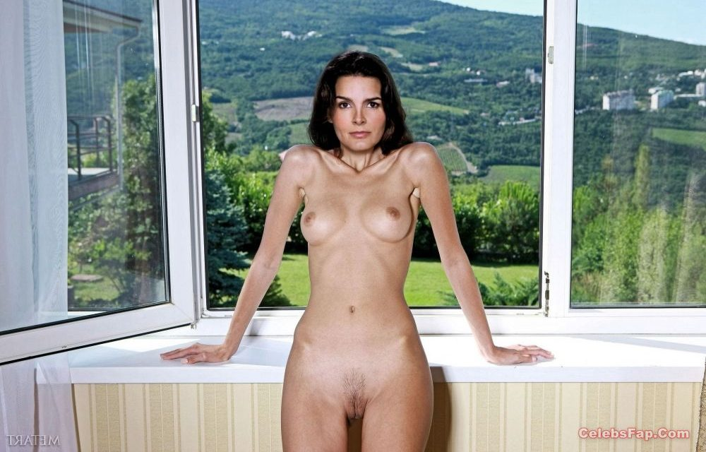 Angie Harmon Nude Exclusive Photo Collection 019