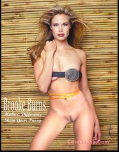 Brooke Burns Nude And Sexy Milf Body Exposed 011