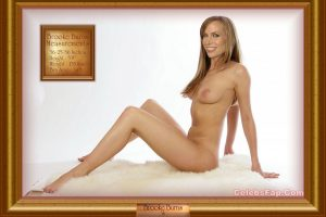 Brooke Burns Nude And Sexy Milf Body Exposed 017