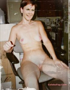 Classic Actress Elizabeth Montgomery Nude Photos Collection 007