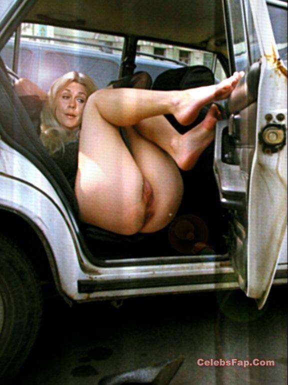 Classic Actress Elizabeth Montgomery Nude Photos Collection 010