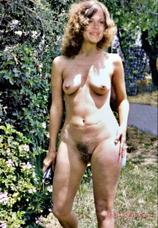Classic Actress Elizabeth Montgomery Nude Photos Collection 012