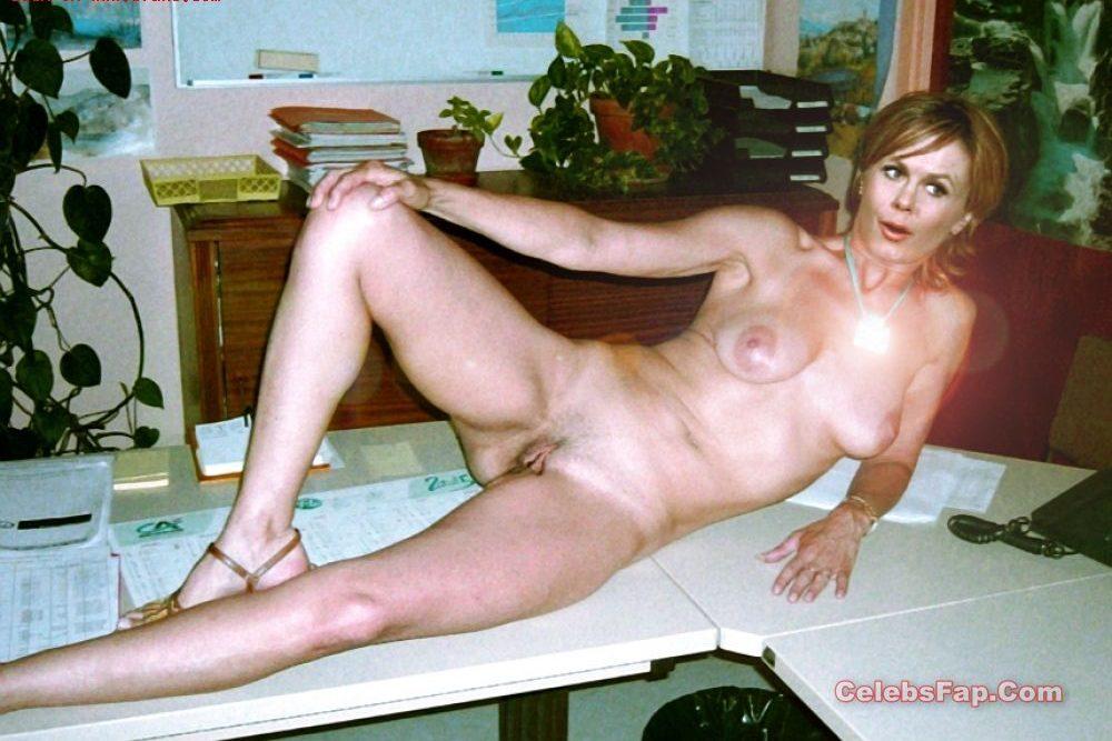 Classic Actress Elizabeth Montgomery Nude Photos Collection 019