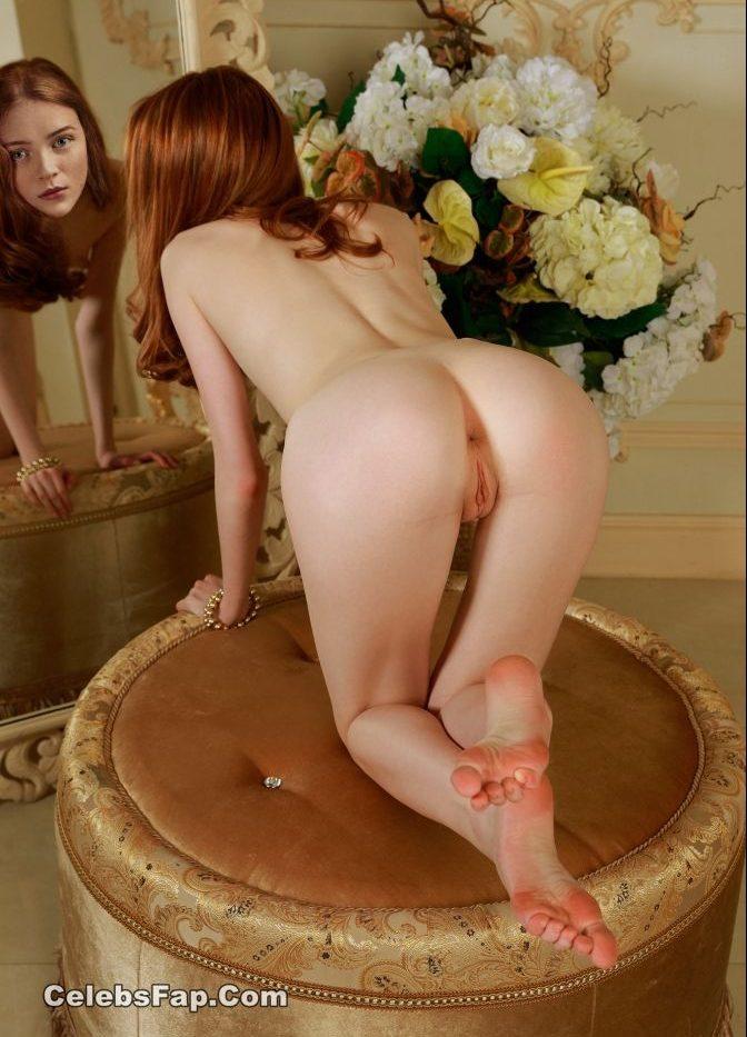 Redhead Bitch Sadie Sink Nude Sex Photos ( Deepfake ) 007